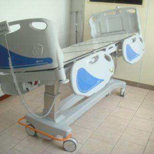 Медицинская кровать четырехсекционная для интенсивной терапии и реанимации 11-CP216 (Базовая комплектация 2)